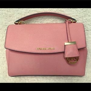 Michael Kors Ava in pale pink